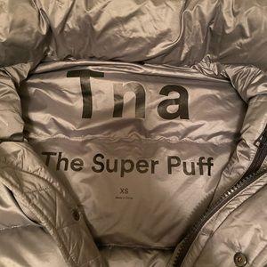 Aritzia TNA the super puff coat
